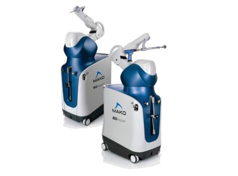 5 Ways Robotic Arm Assisted Surgery Improves Knee Replacements